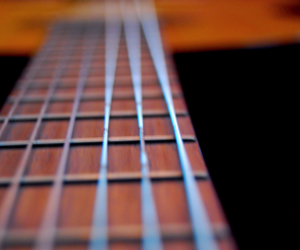strings thumb